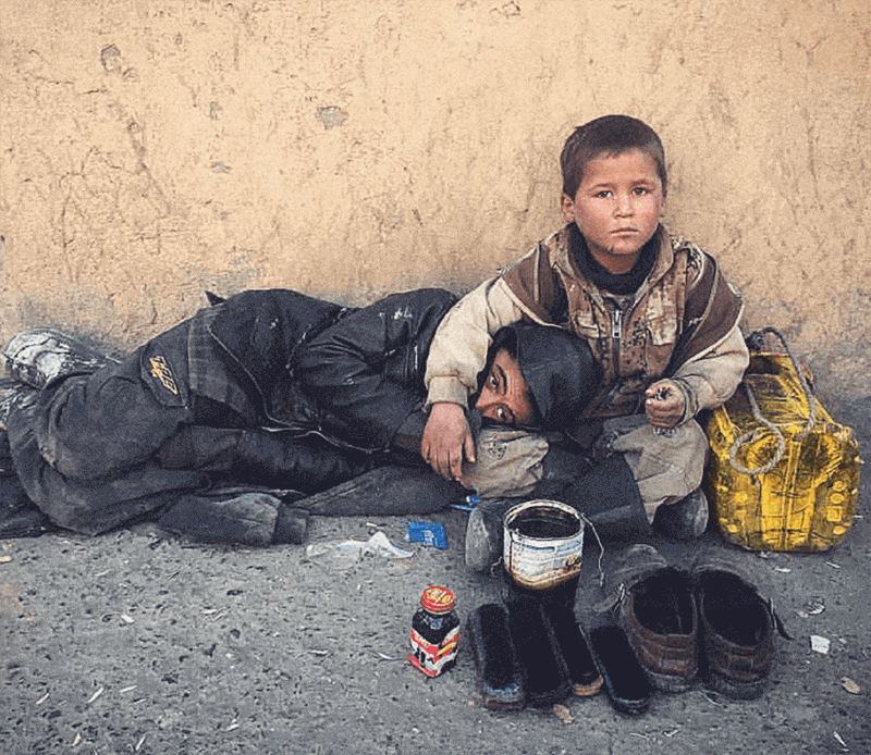 A-shoe-shine-micro-business-on-the-streets-of-Kabul