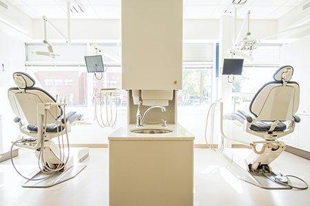 empty-dental-chairs-listing