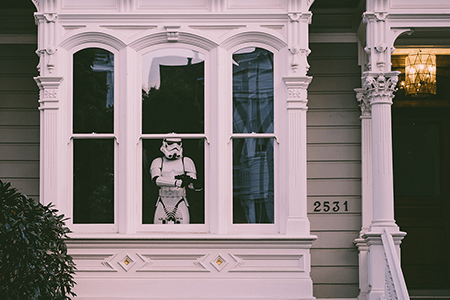 stormtrooper-in-living-room-window-listing-image.png